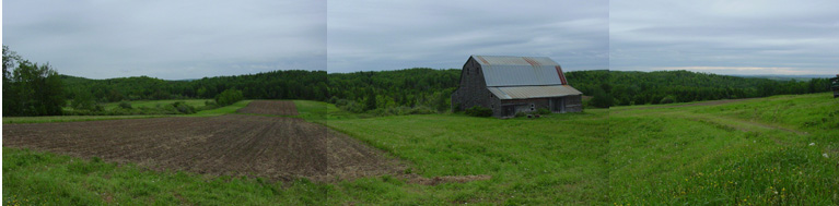 Philippe Gagnon farm with barn